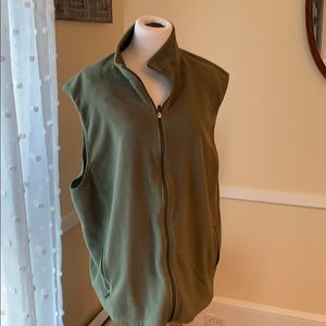 L.L.Bean Women's Fleece Vest XXL and EUC. Olive!